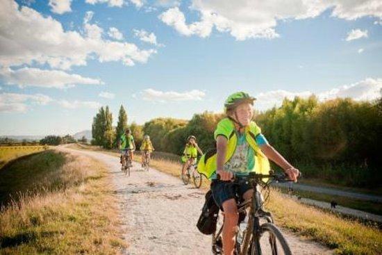 takaro-trails-cycle-tours